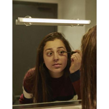 Světlo na zrcadlo
